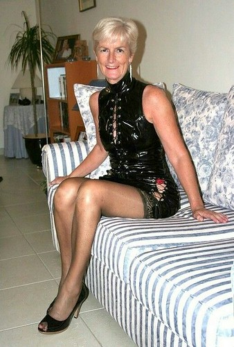 FUN MOVIES Stunning hot German amateur MILF