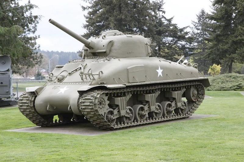 Sherman M4A1 2