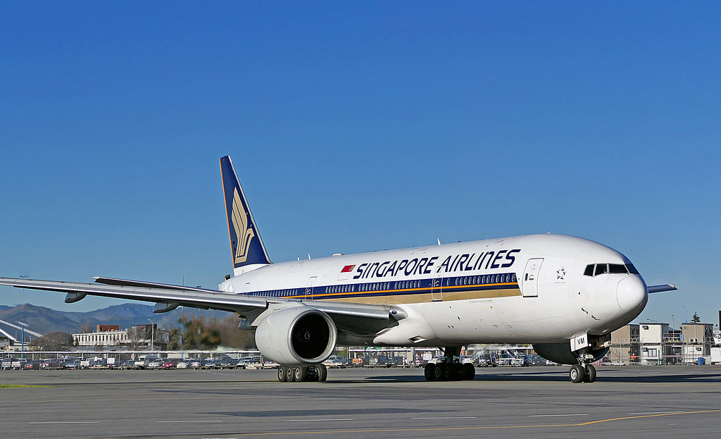 9V-SVM Singapore Airlines Boeing 777-200