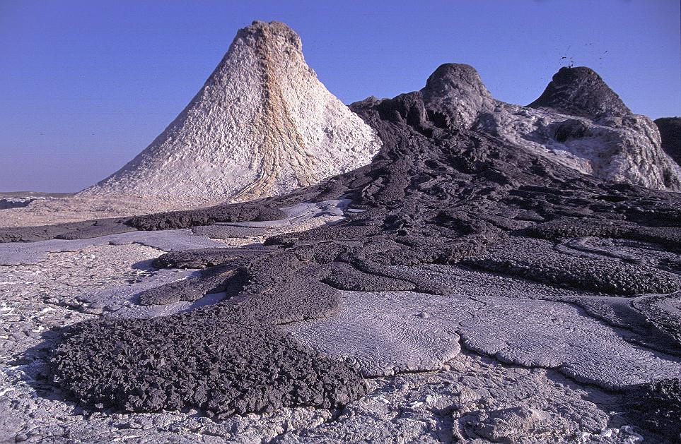 Volcán activo de carbonatitas - Ol Doinyo Lengai (Tanzania) - 08