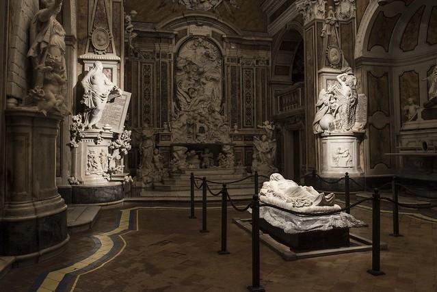 La Pudicizia, il Cristo velato e il Disinganno formano la terna d'eccellenza artistica della Cappella Sansevero, canonizzata da viaggiatori, guide e storici dell'arte sin dal '700. [ph. Marco Ghidelli]