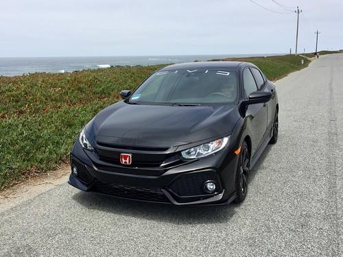 2018 Honda Civic Hatchback Sport Photo