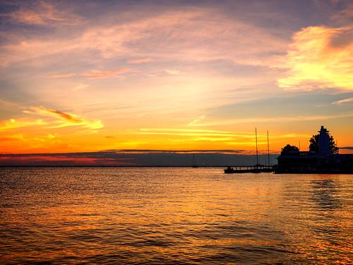 landscape sunset sky water lake erie clouds reflection shimmer ripple calm serene peninsula land silhouette summer july2018 evening twilight boat horizon shore