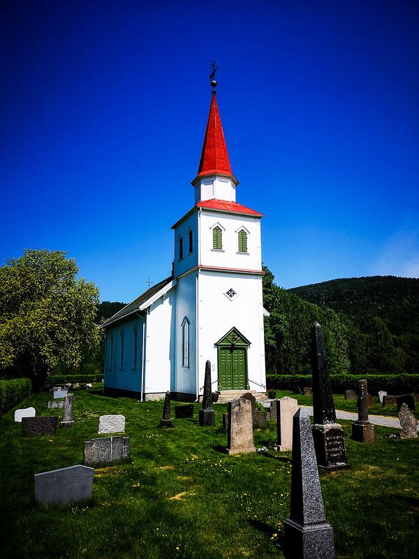 35-Komnes kirke