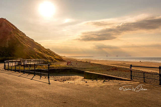 DSC_0068 - Evening sun at Saltburn