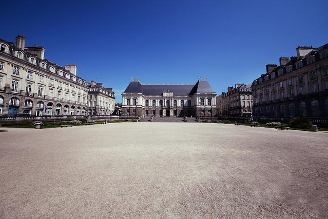 Place du Parlement de Bretagne - atana studio