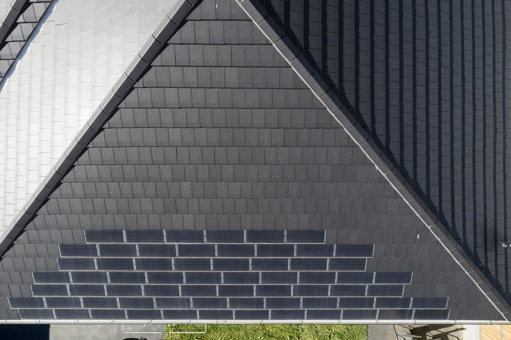 Bristile Solar Roof Tiles - Mirvac Project, Gledswood NSW (12)