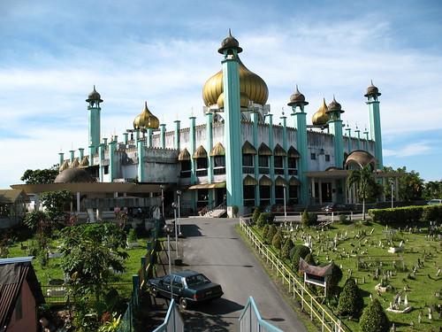 Masjid Bahagian Kuching | by bingregory