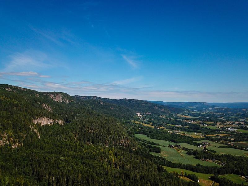 04-Utsikt mot Storsteinsfjell fra Grindene (drone)