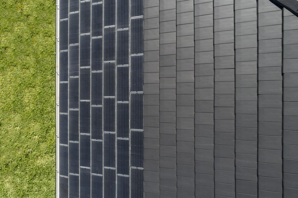 Bristile Solar Roof Tiles - Mirvac Project, Gledswood NSW (18)