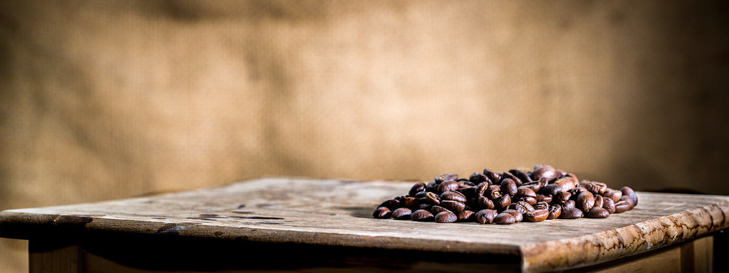 Swell Coffee Beans On A Small Wood Table Bryon Lippincott Flickr Inzonedesignstudio Interior Chair Design Inzonedesignstudiocom