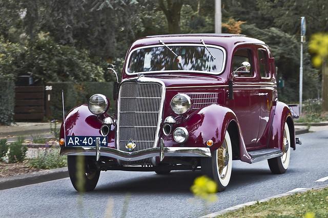 Ford V8 Touring Sedan 1935 (3015)