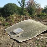 Das Dach eines vom Ruhrhochwasser 2007 zerstörten Wohnwagens in der Heisinger Ruhraue