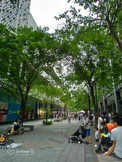Street 2 - Normal (ZenFone 5, HDR) | by huleefox