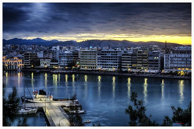 Amanecer en el puerto de Calcis - Sunrise over the port of Halkida