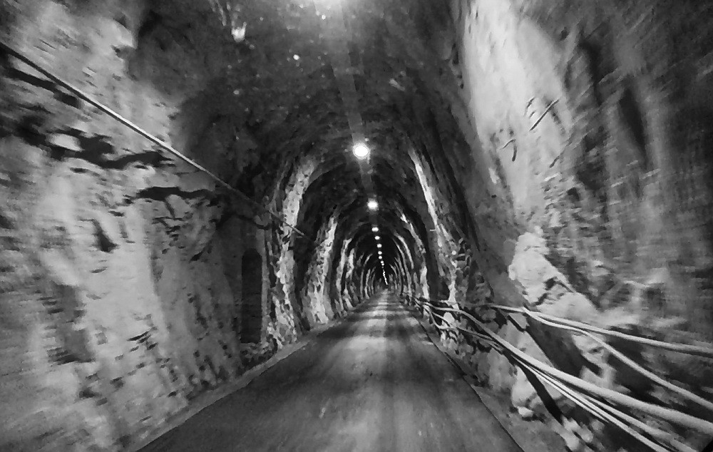 Carrara Marble Quarry Cave | Oneway only, driving into a nev