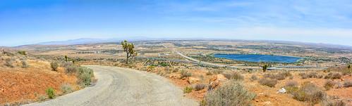 topoftheav topoftheantelopevalley lakepalmdale californiaaqueduct panoramic panorama desertroad mojavedesert horizon mohavedesert antelopevalley joelach
