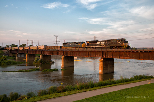 ns norfolk southern emd sd70acu rail road railroad trains miami river dayton oh ohio 304 sunset evening summer steel