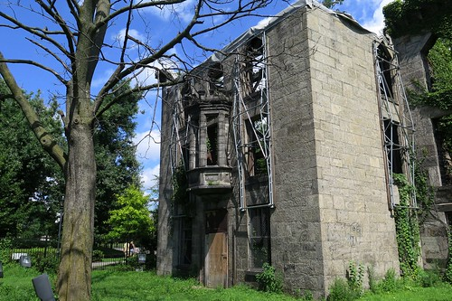 Roosevelt Island Small Pox Hospital ruin | by Summ....