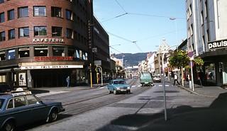 Følg den bilen! / Olav Tryggvasons gate (1983)