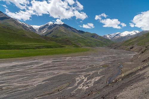 montagnes rivière paysage environsdexinaliq qubakhachmaz azerbaïdjan aze