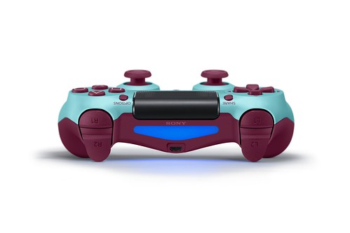 DualShock 4 (Berry Blue)   by PlayStation.Blog