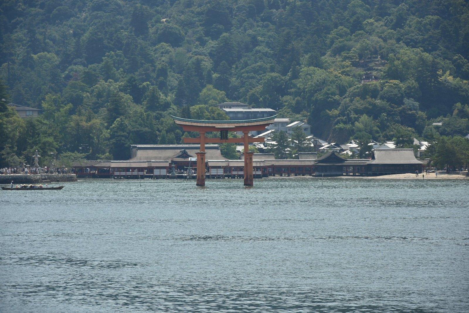 Miyajima - le torii et le sanctuaire d'Itsukushima-jinja