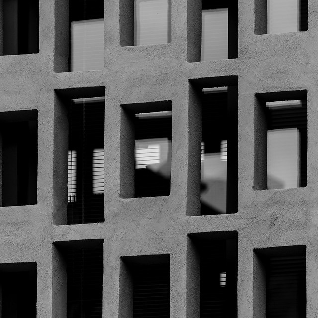 Il ritmo di un istante. The rythm of an istant B&W (abstract reality/reflections))