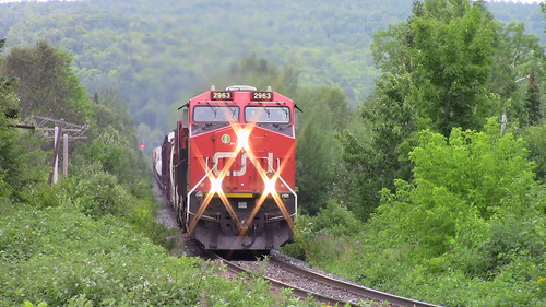 trains train east eastbound cn pelletier sub quebec new brunswick