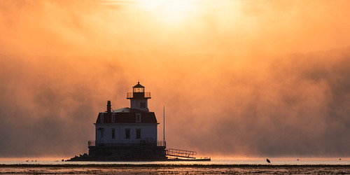 esopusmeadowspreserve lighthouse tranquil atmospheric sunrise esopusmeadowslighthouse serene mist morninglight fog hudsonriver ethereal hudsonvalley