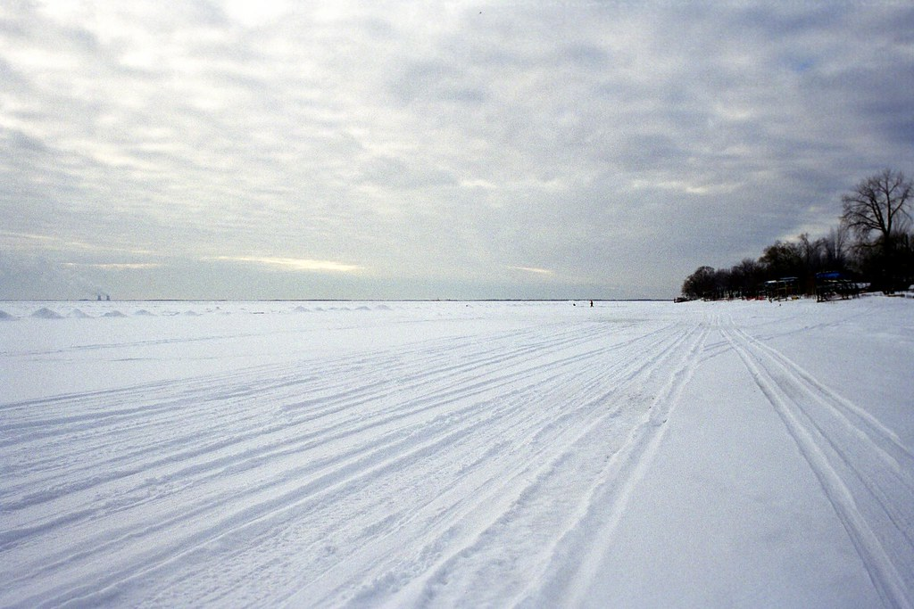 Snowmobile tracks on Lake Erie 1 | Snowmobile tracks race ac… | Flickr