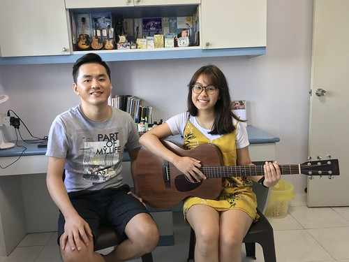 1 to 1 guitar lessons Singapore Ying Chin