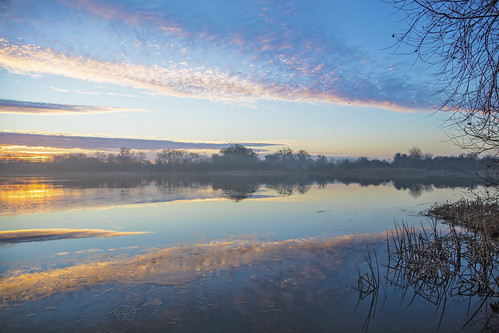 canon5dsr landscape sunrise clouds sky colour trees nature outdoors water lake reflection hinchingbrooke cambridgeshire uk