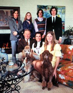Lance es el de la izquierda del todo, en esta foto promocional del programa