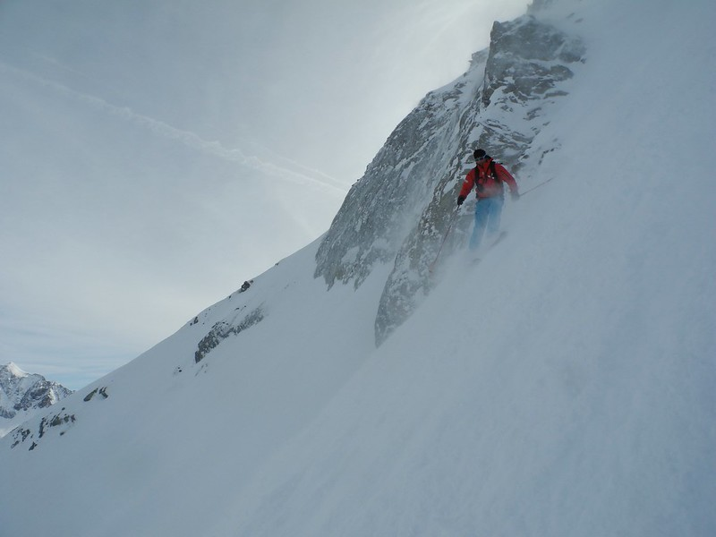 Canadian Couloir on the Bellecote, La Plagne. Skier: Simon Christy