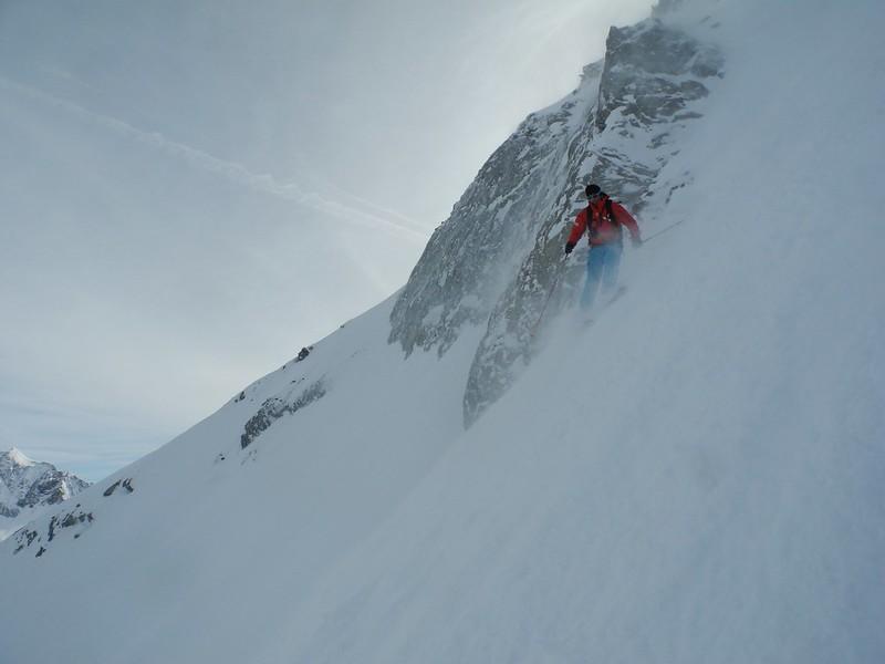 Canadian Couloir on the Bellecote, La Plagne. Skier: Simon Christy