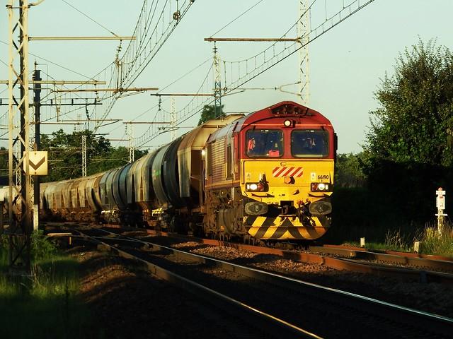 Class 66 66190 Amboise (37 Indre et Loire) 19-06-18a