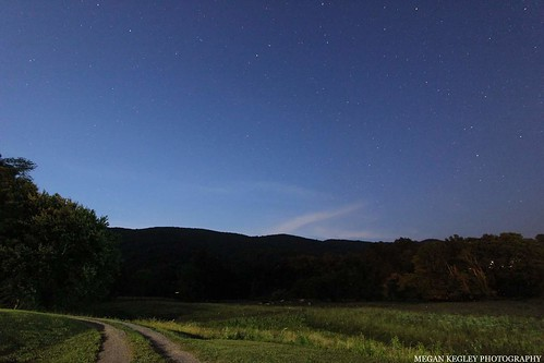night nightsky blue trees clouds mountains landscape dirtroad astrophotograph appalachianmountains virginia scottcountyvirginia stars exposure