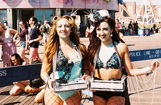 Pontani Sisters, Mermaid Parade, 2018