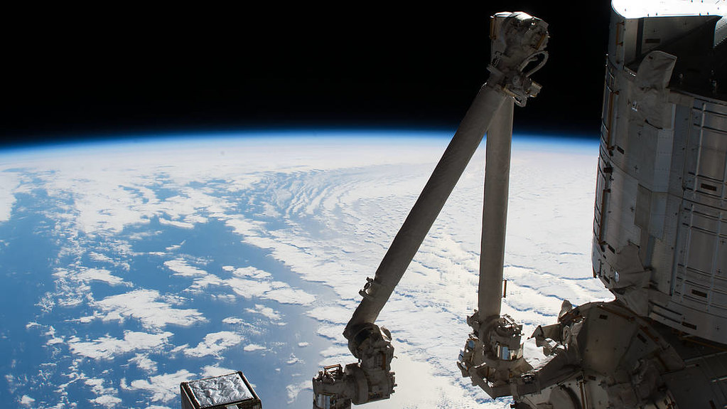 Earth's Limb, Pacific Ocean and the Space Station's Kibo Laboratory
