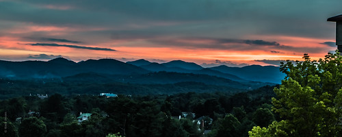 asheville m5 scavengerhuntmeetup sunset groveparkinn mountains ashevillenc artbywade