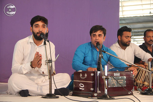 Devotional song by Dinesh Makhija from Jahangirpuri, Delhi