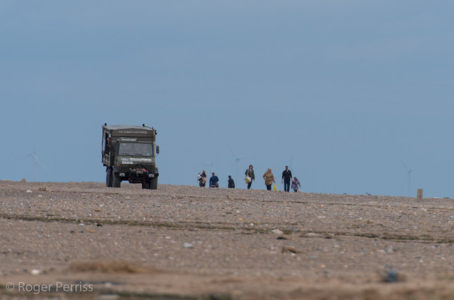 TRUCK AND WALKERS, SPURN HEAD WASHOVER, E YORKS_DSC_9671_LR_2.5