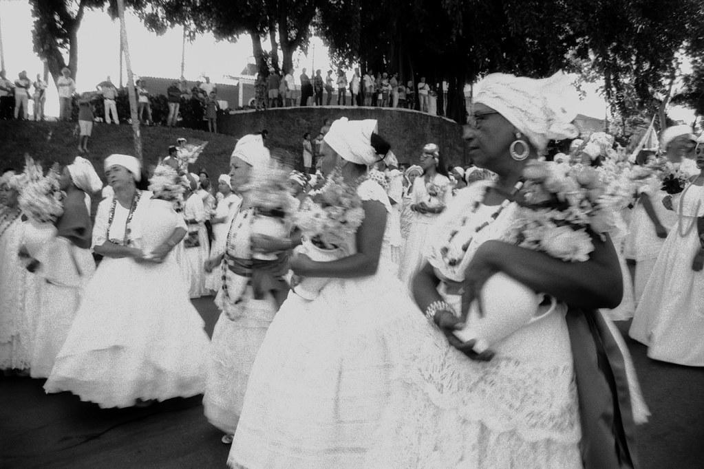 """""""Lavagem das Escadarias da Igreja de Nossa Senhora do Rosário e São Benedito"""", Cuiabá, Mato Grosso, Brasil (fotografia analógica - Nikon F401S, 28-80mm, Fomapan 100)."""