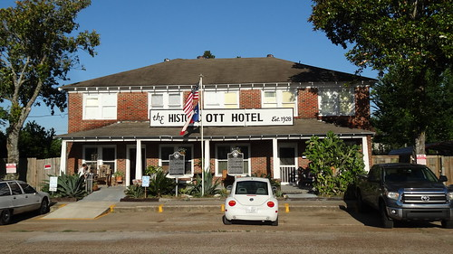 chfstew texas txlibertycounty hotel
