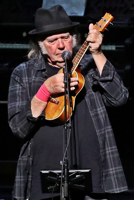 Neil Young - Auditorium Theater, Chicago - 6/30/18