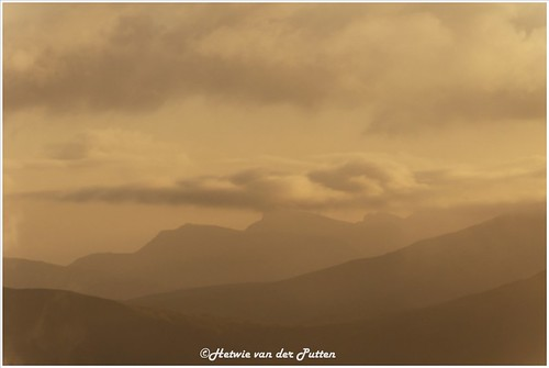 landschap mist atlantischeoceaan baggrundsbelysning backlight eglisfjall clouds sea sunset landscape zonlicht zonsondergang mountains tegenlicht water view atlanticocean farã¶er uitzicht wolken silhouet skeiã°sskarã° streymoy faerã¶er skeiðsskarð faeröer fo faröer