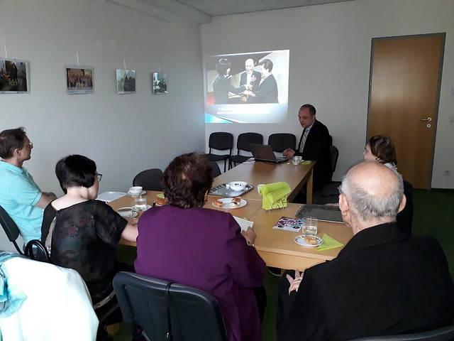 Czech-2018-04-16-Ambassadors for Peace Learn about UPF Founder's Life