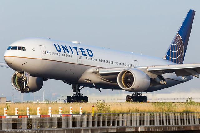 B777-200 / United Airlines / N227UA