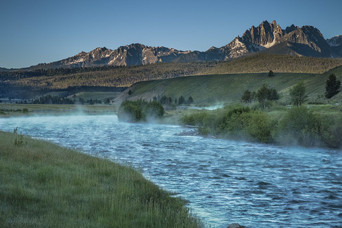 river rivers water morning mountains mountain outdoors landscapes landscape sunrise idaho trees